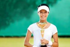 专业女性网球员赢取了比赛 免版税库存图片