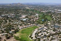 绿色地带高尔夫球 库存照片