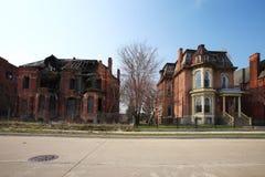 腐朽的住宅房子在底特律,密执安 免版税库存照片