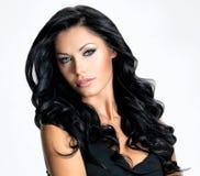 有秀丽长的头发的妇女 免版税图库摄影