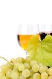 葡萄和杯分行酒 图库摄影