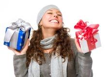 有圣诞节礼品的妇女 免版税库存照片