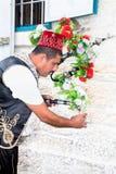 Палестинец делает выходить от чая сервировки Стоковое Изображение