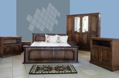 经典卧室内部装饰业 免版税库存照片