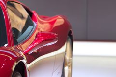 一辆红色汽车的详细资料 库存图片
