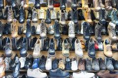 方式皮鞋和启动 库存照片