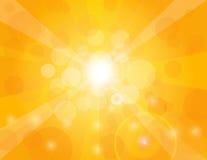 在橙色背景例证的太阳光芒 免版税库存照片