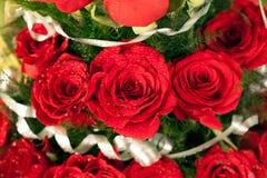 红色玫瑰色花花束  库存图片