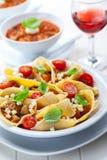 与蔬菜的意大利面食 库存照片
