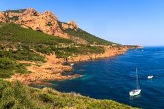 在法国海滨的美好的风景海岸线在戛纳附近 库存图片