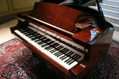 грандиозный рояль Стоковое фото RF