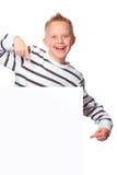 Αγόρι που παρουσιάζει το διάστημα αντιγράφων Στοκ Εικόνα