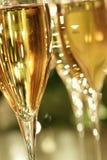 金黄香槟闪闪发光 库存图片