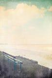 在海运的长凳 免版税库存照片