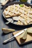 饼的新鲜的成份和梨 免版税库存照片