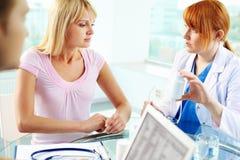 Ιατρικές διαβουλεύσεις Στοκ φωτογραφία με δικαίωμα ελεύθερης χρήσης