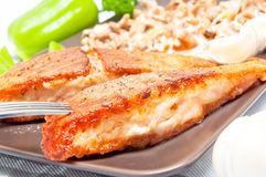Ψημένα στη σχάρα τρόφιμα σολομών Στοκ Εικόνες