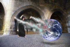 Злейшее произношение по буквам бросания чудодея, создает апокалипсис мира, день страшного суда Стоковые Изображения RF