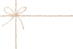 绳索弓。 包裹存在的黄麻收集。 关闭。 免版税库存图片