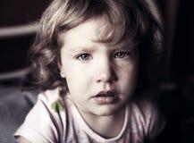 哭泣的小女孩 免版税库存照片