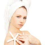干净温泉的妇女-和白色 免版税库存照片