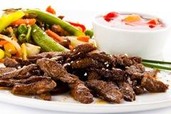 Зажаренные в духовке мясо и овощи Стоковые Фотографии RF
