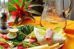 το γ έψησε το υγιές καλοκαίρι γεύματος στη σχάρα Στοκ Εικόνες
