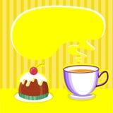 与杯子和甜沙漠的茶背景。 免版税库存照片