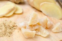 在一个木板特写镜头的糖煮的姜 免版税库存照片