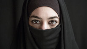 Γυναίκα στη μπούρκα Στοκ Φωτογραφίες