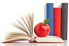 书和苹果 免版税库存图片