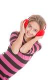 青少年的听的音乐 免版税图库摄影