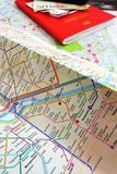 巴黎概念的游人 免版税库存照片