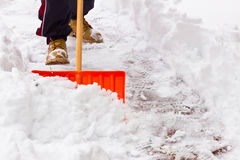 铲起雪 免版税库存图片