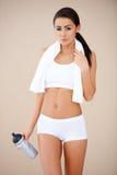 深色的妇女纵向在健身以后的 免版税库存图片