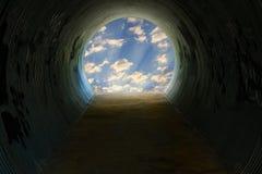 有光的隧道 免版税库存图片