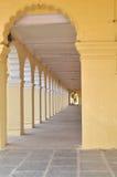 长的走廊。 免版税库存照片