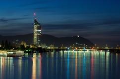 维也纳市在晚上 免版税库存图片