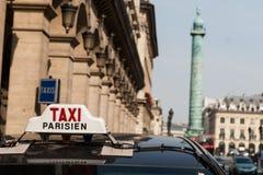 巴黎出租汽车 库存照片