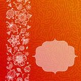 与乱画花的明亮的橙色花卉样式 免版税图库摄影
