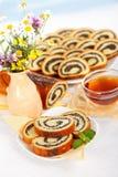 罂粟种子卷早餐 免版税库存照片