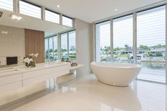 Роскошная ванная комната Стоковое фото RF