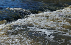 Μικρή εποχή ποταμών την άνοιξη. Στοκ φωτογραφίες με δικαίωμα ελεύθερης χρήσης