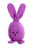 紫色填充动物玩偶复活节兔子 库存照片