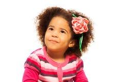 逗人喜爱的矮小的黑人女孩 免版税图库摄影