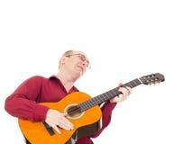 Человек играя гитару Стоковое фото RF