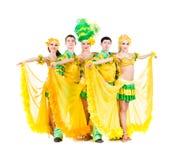 性感狂欢节舞蹈家摆在 免版税图库摄影