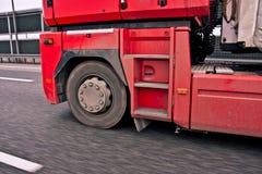 在行动的轮子卡车 免版税库存照片