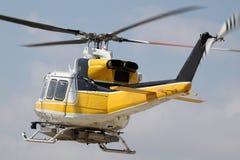 火直升机 免版税库存照片