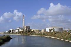 Ο σταθμός παραγωγής ηλεκτρικού ρεύματος ανάγνωσης στο Τελ Αβίβ Στοκ Εικόνες